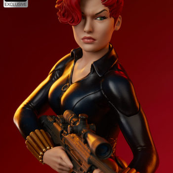 Black Widow Avengers Assemble Statue Exclusive Edition Short Haired Portrait with Dramatic Lighting 2