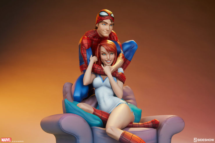 Spider-Man and Mary Jane Maquette with Orange Dramatic Background