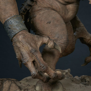 Rancor Deluxe Statue Claws Close Up 1