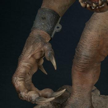 Rancor Deluxe Statue Right Claw Close Up