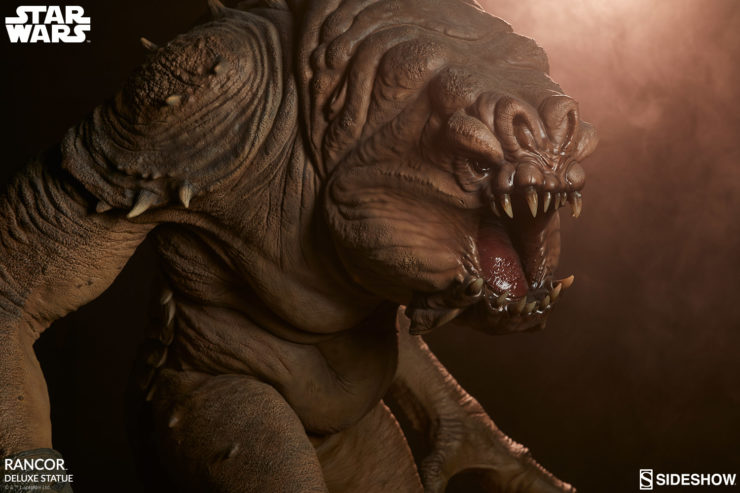 Rancor Deluxe Statue with Dramatic Lighting 4