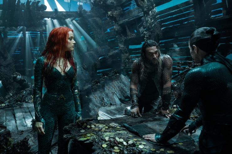 Aquaman and Mera hidden in Atlantis