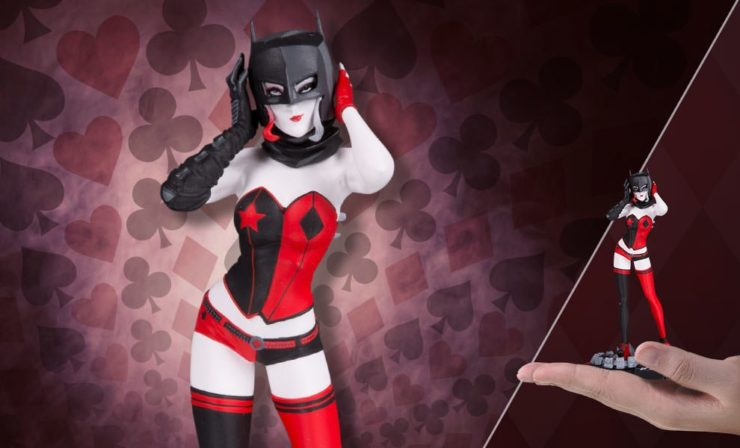 Harley Quinn Statue