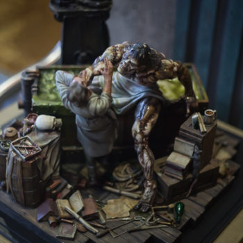 Bernie Wrightson Sideshow Sculpture looking down on the sculpture