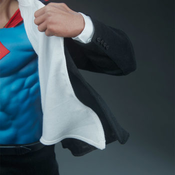 close up of left hand and inside of shirt and coat on the Superman Call To Action Premium Format Figure