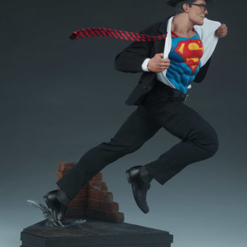 Superman Call To Action Premium Format Figure right view