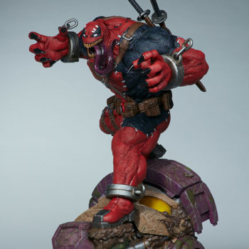 Full 3/4ths side view of Venompool, standing on a sentinel's head