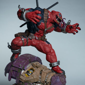 Full right side view of Venompool, standing on a sentinel's head