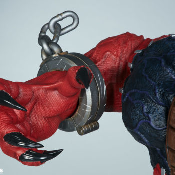 inside look at Venompool's right hand, focusing on the claw, as the chain appears to fly up from his motion