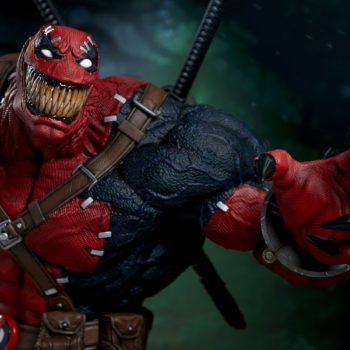 Venompool grinning wide, teeth closed, claws extended