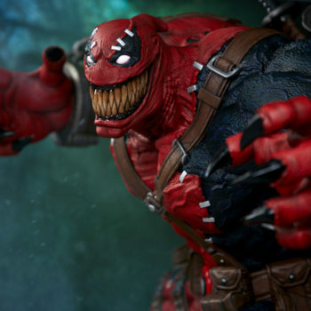 Venompool left view grinning wide reaching back ready to pounce