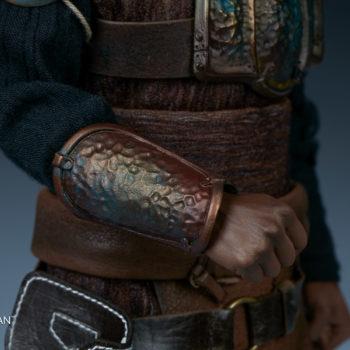 Lando Calrissian Skiff Guard Version Sixth Scale Figure close up on forearm armor right side