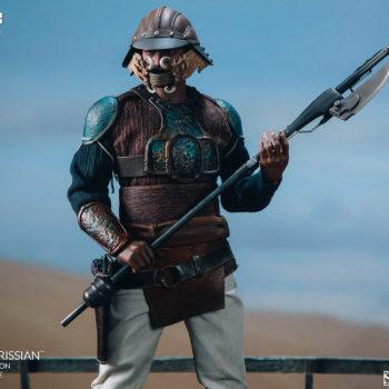 Lando Calrissian Skiff Guard Version Sixth Scale Figure holding Vibro-axe