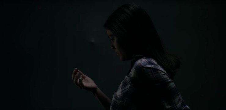 Dani Moonstar Sees Faces on the Wall- New Mutants Trailer 2