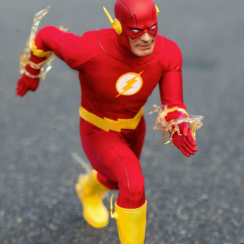 The Flash Sixth Scale Figure exclusive running