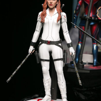 Black Widow Snow Suit Sixth Scale Figure- Hot Toys