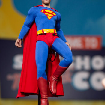 Superman Sixth Scale Figure DC Comics