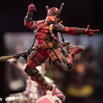 Deadpool 1:10 Scale Statue