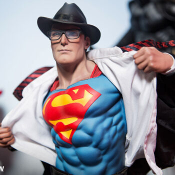 Superman Call to Action Premium Format Figure Close Up