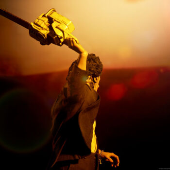 The Leatherface Deluxe Sixth Scale Figure Texas Chainsaw Massacre