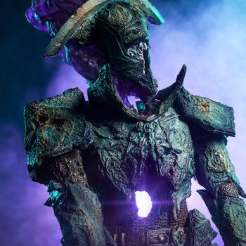 Oathbreaker Strÿfe Fallen Mortis Knight Premium Format Figure upper body view with purple light breaking through the stomach