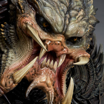 Predator Barbarian Mythos Legendary Scale Bust Close Up 3/th's right view