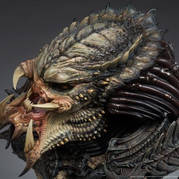 Predator Barbarian Mythos Legendary Scale Bust Left View Close Up