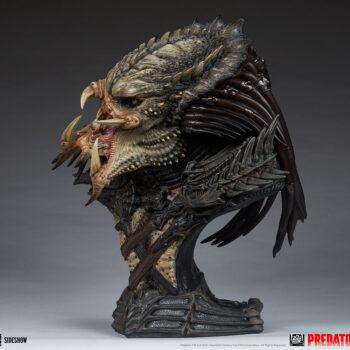 Predator Barbarian Mythos Legendary Scale Bust Full Left View