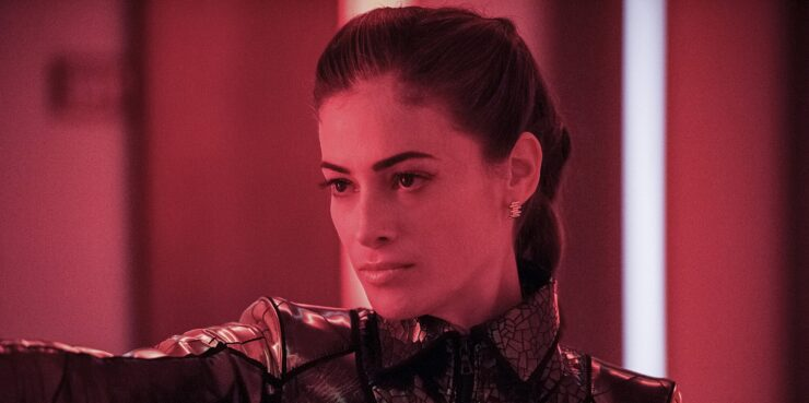 Eva McCulloch in The Flash in red light