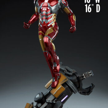 apple size comparison with exclusive Iron Man Third Scale Statue