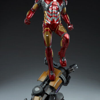 full front view of Iron Man Third Scale Statue