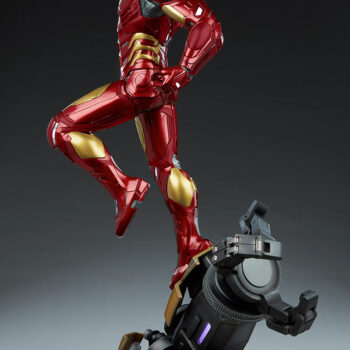full left side of Iron Man Third Scale Statue