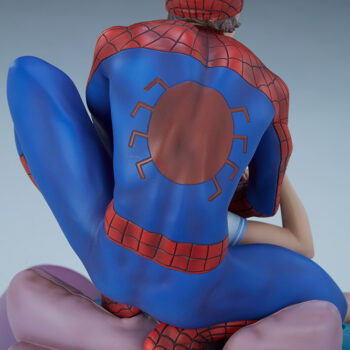 close up on the spider-logo on the back of the Spider-Man and Mary Jane Maquette