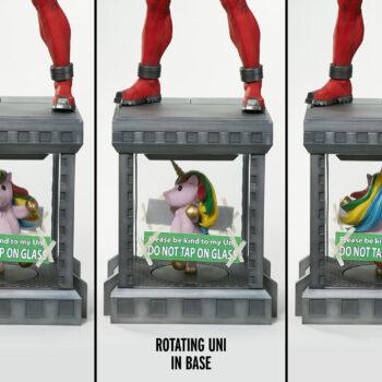 rotation unicorn of Deadpool Third Scale Statue