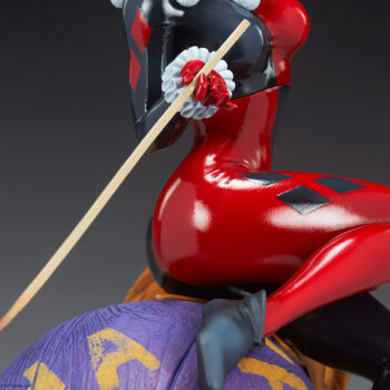 Right side of Harley Quinn on Harley Quinn and The Joker Diorama