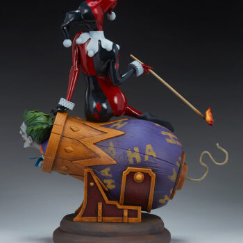 full Left side view of Harley Quinn and The Joker Diorama