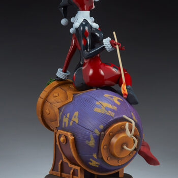 full view of the Back left side of Harley Quinn and The Joker Diorama