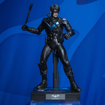Nightwing Hot Toys Sixth Scale Figure