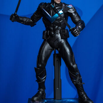 close up on Nightwing Hot Toys Sixth Scale Figure