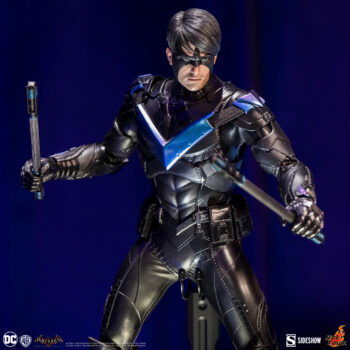 Arkham Knight: Nightwing Sixth Scale Figure by Hot Toys- Portrait Closer Up