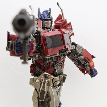 Optimus Prime pointing his weapon
