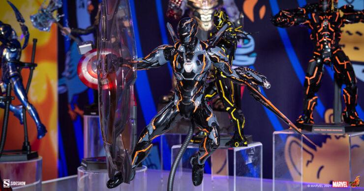 Neon-Tech-4.0-Iron-Man-Marvel-Hot-Toys-Sideshow-Sideshowcon-1