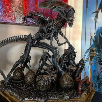 Alien collectible with eggs