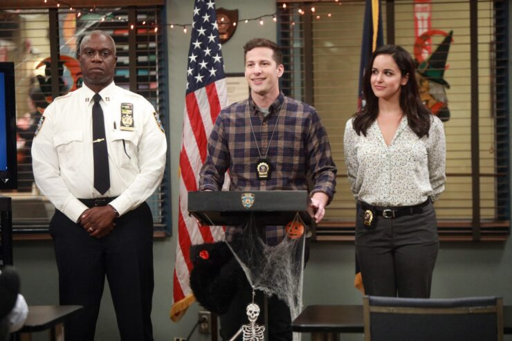 The tradition of the great Halloween Heist lives on in the season 5 Halloween episode of Brooklyn Nine-Nine