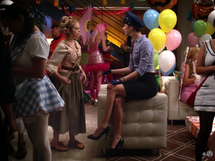 The Halloween episode of Don't Trust the B---- in Apartment 23 has the usual shenanigans from June and Chloe, as well as James Van Der Beek overcoming his fear of the holiday
