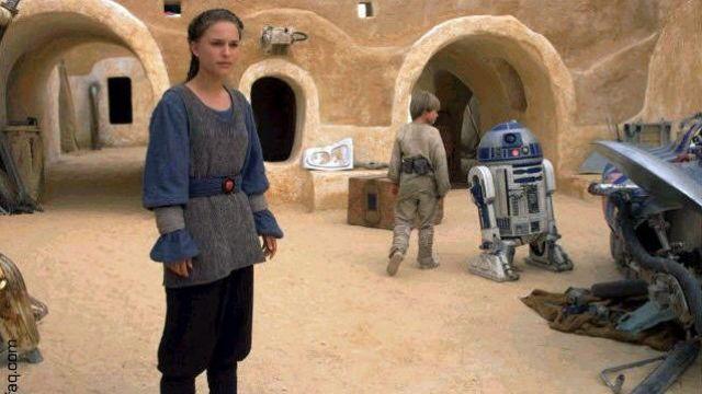 Padme, Anakin Skywalker, and R2D2 in Star Wars The Phantom Menace