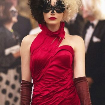 Estella in disguise at the Baroness' ball
